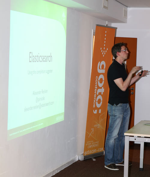 dev-meetup-nl-2013-alex-reelsen-completion-suggester.jpg