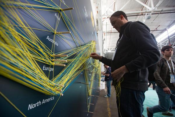 elasticon-16-string-wall.jpg